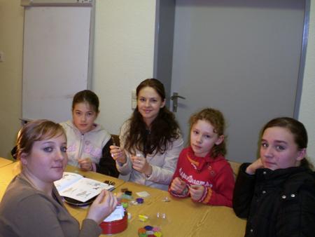 Regelmäßige Angebote für Hofkinder März 2007